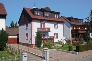 Ref_Verkauf_Harthausen_Dreifamilienhaus_300x200